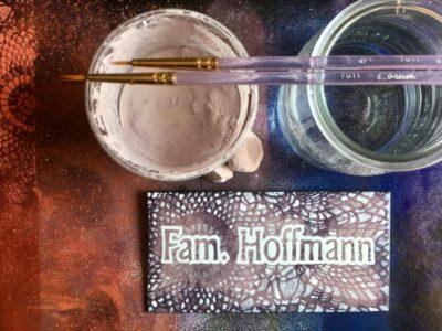 Family Hoffmann névtábla - Ars poetica